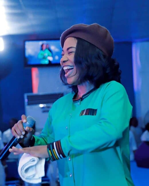 Download Mercy Chwinwo Song – Na You Dey reign Mp3, Lyrics, & Video